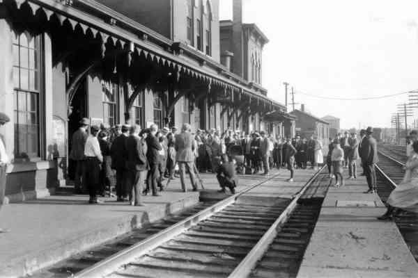 Erie Depot Movie Extras 1922