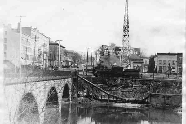 Bridge With Flagpole001