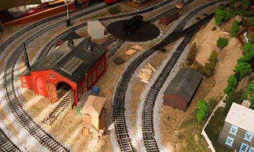 Railroom3